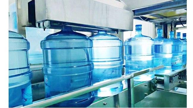 包装饮用水是如何生产的,其中的纯净水和净水有什么不一样